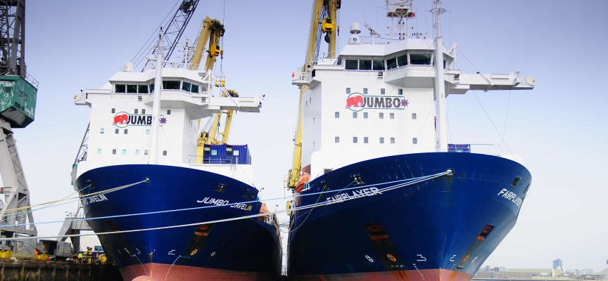 Jumbo contracted to transport FSRU from Batam to Brazil